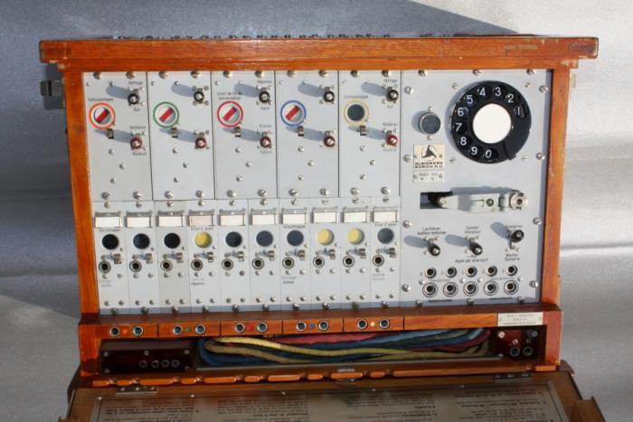 Pionierzentrale Modell 37